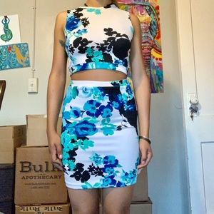 TWO PIECE SKIRT SET WOMENS FLORAL SMALL